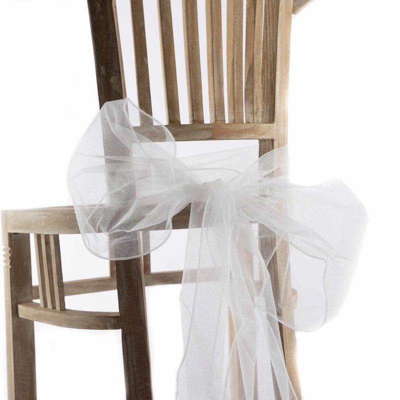 Weiße Flocken Im Stuhl Baby